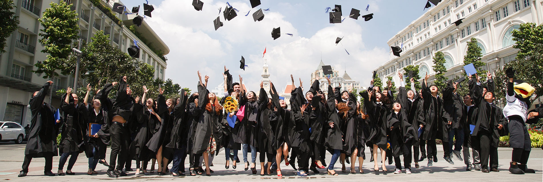 le tot nghiep broward college